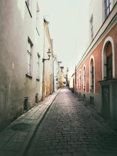 узкая улица европа
